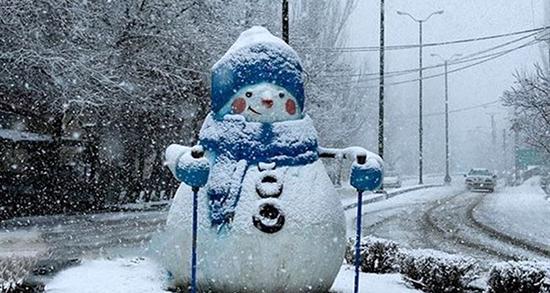 تعبیر خواب برف ، بارش و راه رفتن و دیدن و قدم زدن و آب شدن و سر خوردن برف
