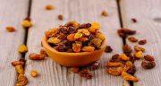 خواص کشمش ، و گردو برای مو و لاغری و حافظه در طب سنتی برای کودکان