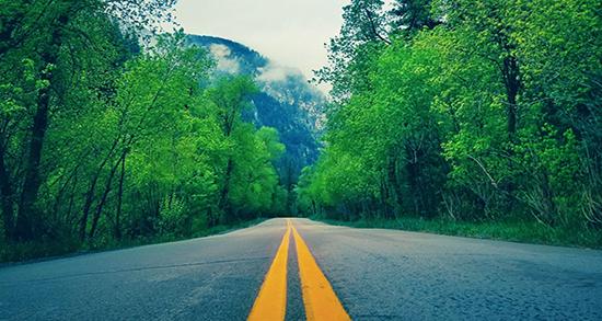 شعر در مورد جاده ، عشق فریدون مشیری و راه مسیر برفی و بی انتها زندگی تنهایی