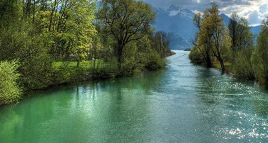 شعر در مورد رودخانه ، اشعار کوتاه و عاشقانه و کودکانه در مورد گذر از رودخانه