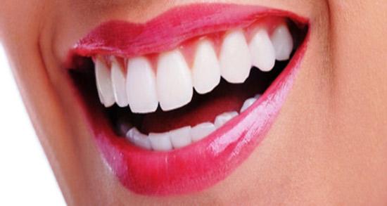 شعر در مورد لبخند زیبا ، خنده از ته دل و خنده عاشقانه از شاملو و سهراب سپهری