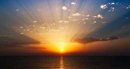 شعر در مورد طلوع خورشید ، طلوع صبح از سعدی و مولانا