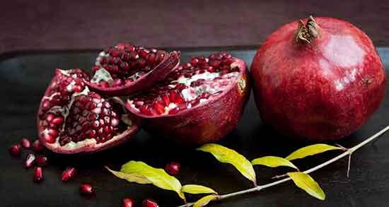 متن در مورد انار ، انار ترک خورده و شکوفه انار و گل انار + انار و پاییز و شهریور