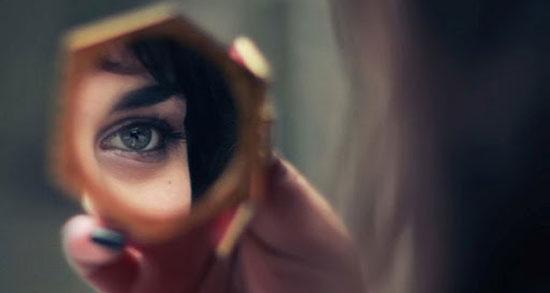 متن نگاه در آینه ، متن در مورد آینه و تنهایی + در آینه نگاه میکنم