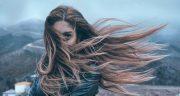 شعر در مورد گیسو ، متن و شعر درباره زلف و باد و موی بافته شده + موهای خرمایی