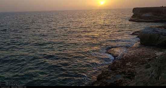 متن ادبی در مورد دریا ، متن ادبی درباره دریای طوفانی ، شعر در مورد دریا از شاملو ، شعر سهراب در مورد دریا ، شعر در مورد دریا از فروغ