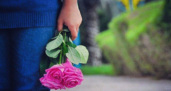 متن عاشقانه گل ، نرگس و گل سرخ + متن عاشقانه هدیه گل و بوییدن گل
