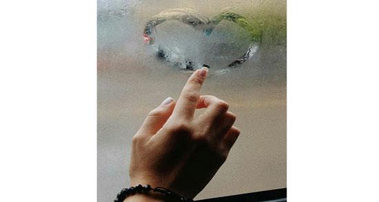 متن در مورد باران پشت شیشه ، جملات زیبا و کپشن غمگین و عاشقانه درباره باران