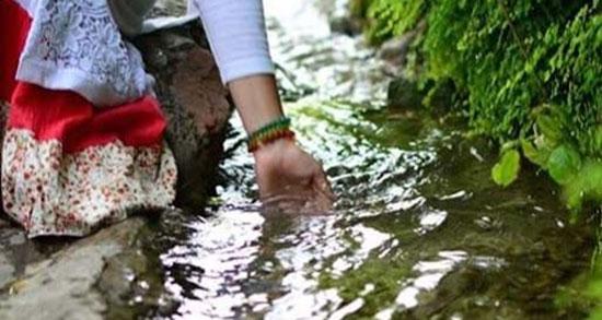متن در مورد رودخانه و طبیعت ، متن درباره آب زلال و گذر رودخانه و سنگ