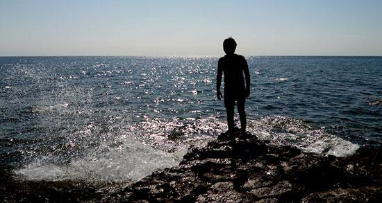 متن در مورد دریا ، شب و کشتی و ساحل و ماهی از شاملو و سهراب سپهری