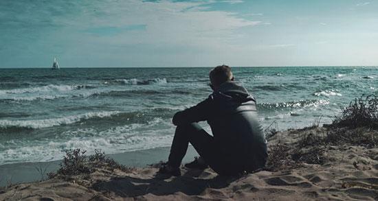 متن ادبی در مورد دریا ، متن کوتاه و زیبا درباره دریا و ساحل و قایق و عشق از شاملو